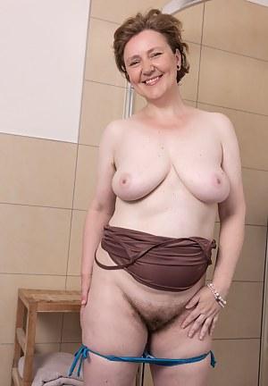 Big Boobs Bathroom Porn Pictures